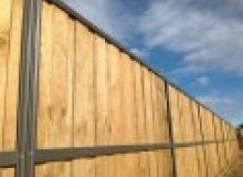 Kwikfynd Lap and Cap Timber Fencing allynbrook